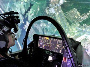 Huấn luyện phi công chiến đấu bằng buồng lái mô phỏng