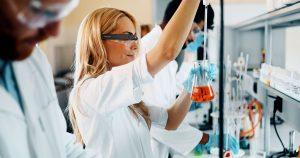 Kính MR phục vụ cho thí nghiệm hóa học ảo